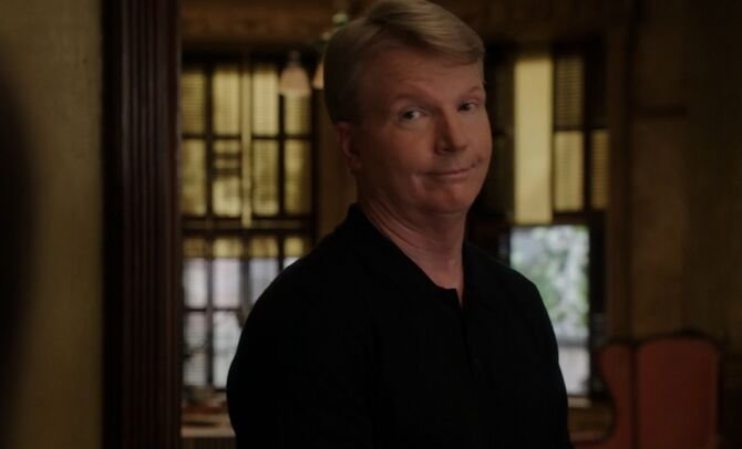 S03E03-Phil Simms head shot