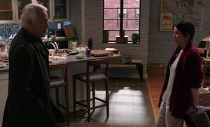 S03E14-Santhosh Watson at apartment