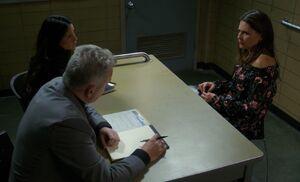 S05E06-Shea in box