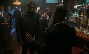 S05E12-Booker and Bell at bar