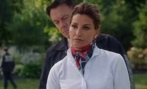 S03E01-Elana final arrest