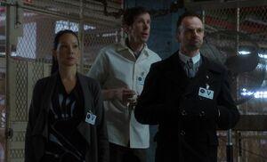 S02E19-In file room