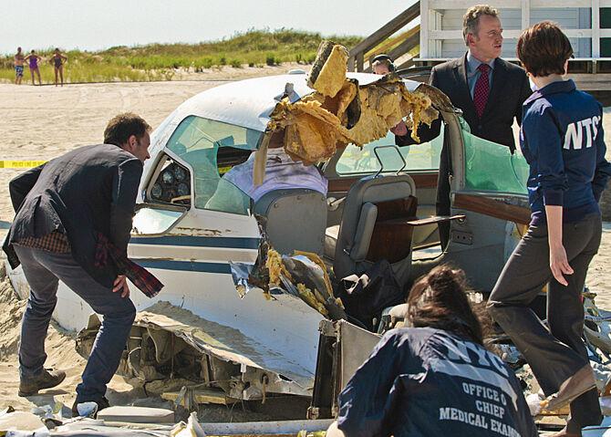 002 Flight Risk episode still of Sherlock Holmes and Tommy Gregson
