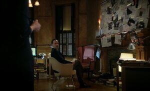 S04E23-Sherlock w board