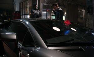 S02E11-Alfredo Holmes car
