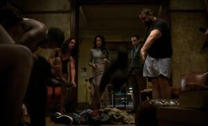 S04E17-Everyone undresses