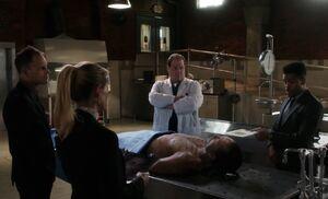 S07E07-Morgue w Dineen