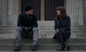 S05E16-Holmes Kitty St Marks steps