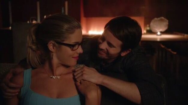 arrow-legacy-felicity-new-relationship