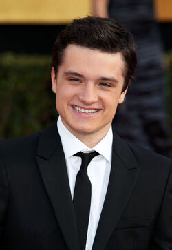 Josh+Hutcherson+17th+Annual+Screen+Actors+KEc-7NUUMHdl