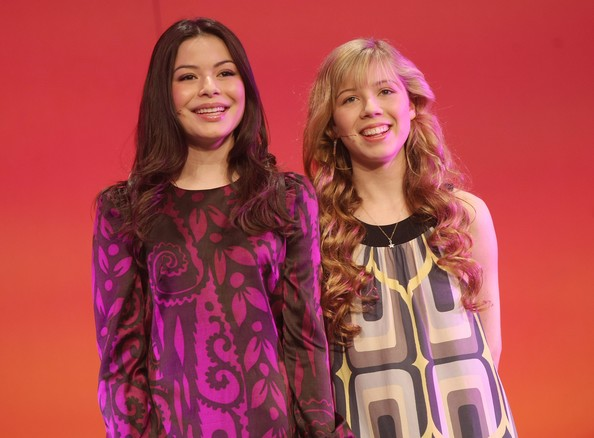 Wiki News/Miranda Cosgrove And Jennette McCurdy Surprises