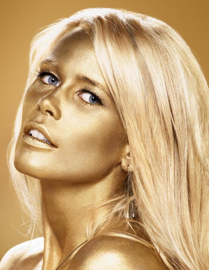Celebrity Claudia Schiffer nude photos 2019
