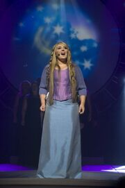 Chloë Agnew performs ''Someday''