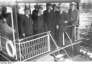 Bundesarchiv Bild 102-12081, Berlin, Ausflug deutscher und englischer Politiker