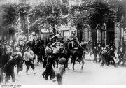 Bundesarchiv Bild 183-R42025, Warschau, Einmarsch deutscher Kavallerie
