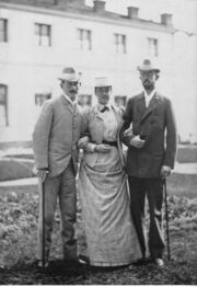 Crown princess Victoria of Baden with Max von Baden and crown prince Gustav in the 1890s