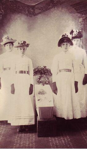 File:Victorianpostmortempic-2.jpg