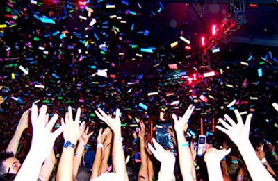 File:Confetti party-1320.jpg