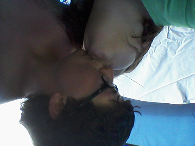 File:Kisses.jpg