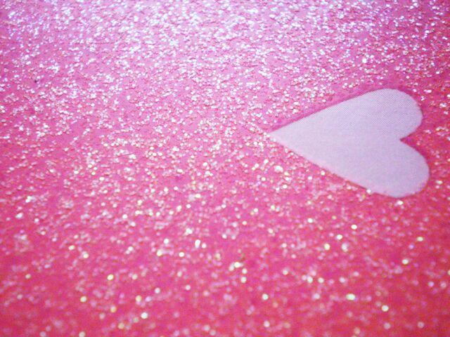 File:Glitter heart wallpaper photo 1024X768.jpg