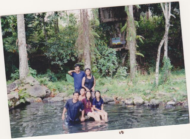 File:Philippines with my family.jpg