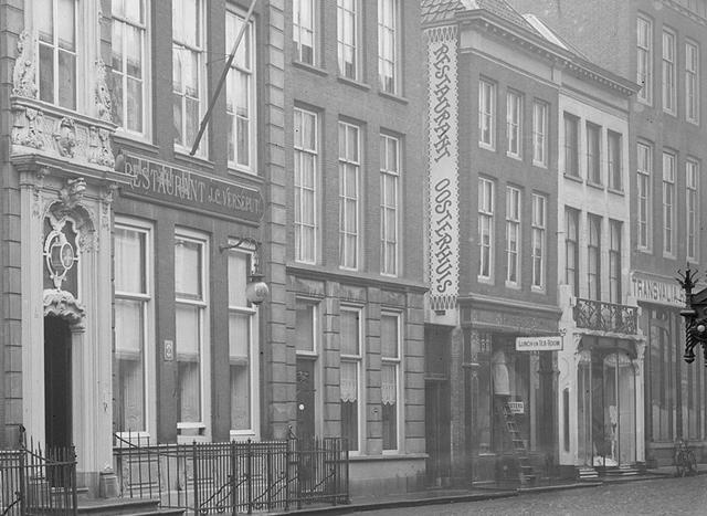 File:Restaurant Oosterhuis 1923.png