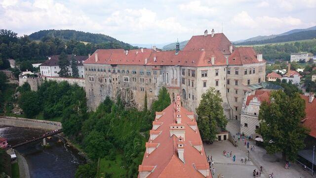 File:...und nochmal das Schloss....jpg