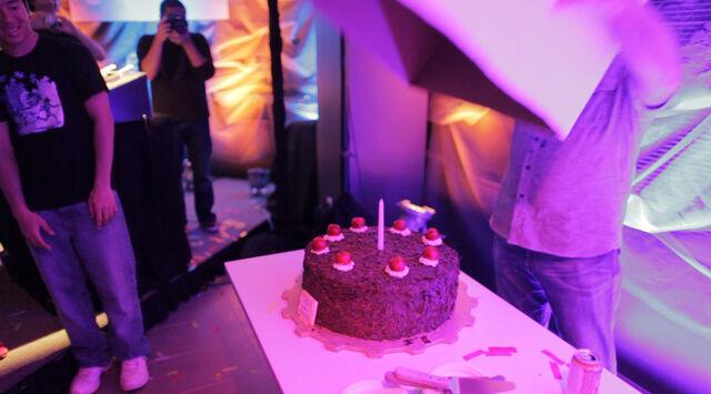 File:Portal cake reveal.jpg