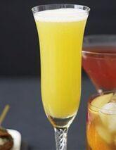 w:c:cocktails:Pear Amaretto Fizz