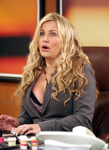 Joey-jennifer-coolidge4
