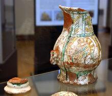 4100 - Milano - Antiquarium - Boccale maiolica del XV secolo - Foto Giovanni Dall'Orto - 14-July-2007