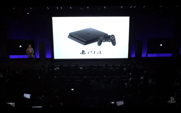 PlayStation 4 Slim Official