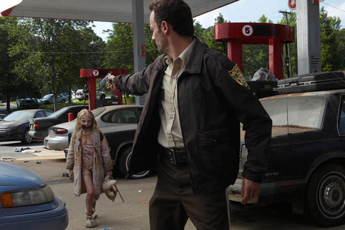The Walking Dead Season 1 Little Girl Walker