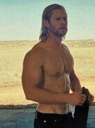 Chris-hemsworth-thor-huge-workout1 oPt