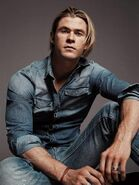 360px-For-GQ-Magazine-chris-hemsworth-31334625-1024-1363