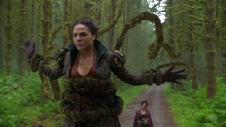 Once Upon A Time - Regina Mills 100 - Lana Parrilla