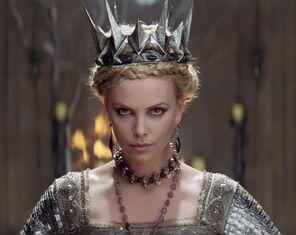 604px-Queen Ravenna