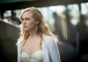 The Vampire Diaries - Caroline Forbes 3 - Candice Accola