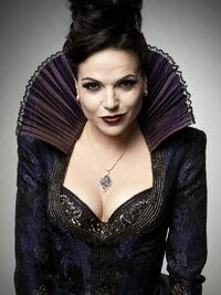 Regina-the-evil-queen-regina-mills-35300012-2355-3143