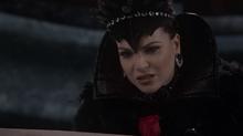 Once Upon A Time - Regina Mills 118 - Lana Parrilla