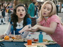 Iggy-Azalea-ft.-Charli-XCX-Fancy-video-3