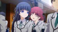 Mishima et Yumi à la cérémonie d'entrée au lycée Hinomori