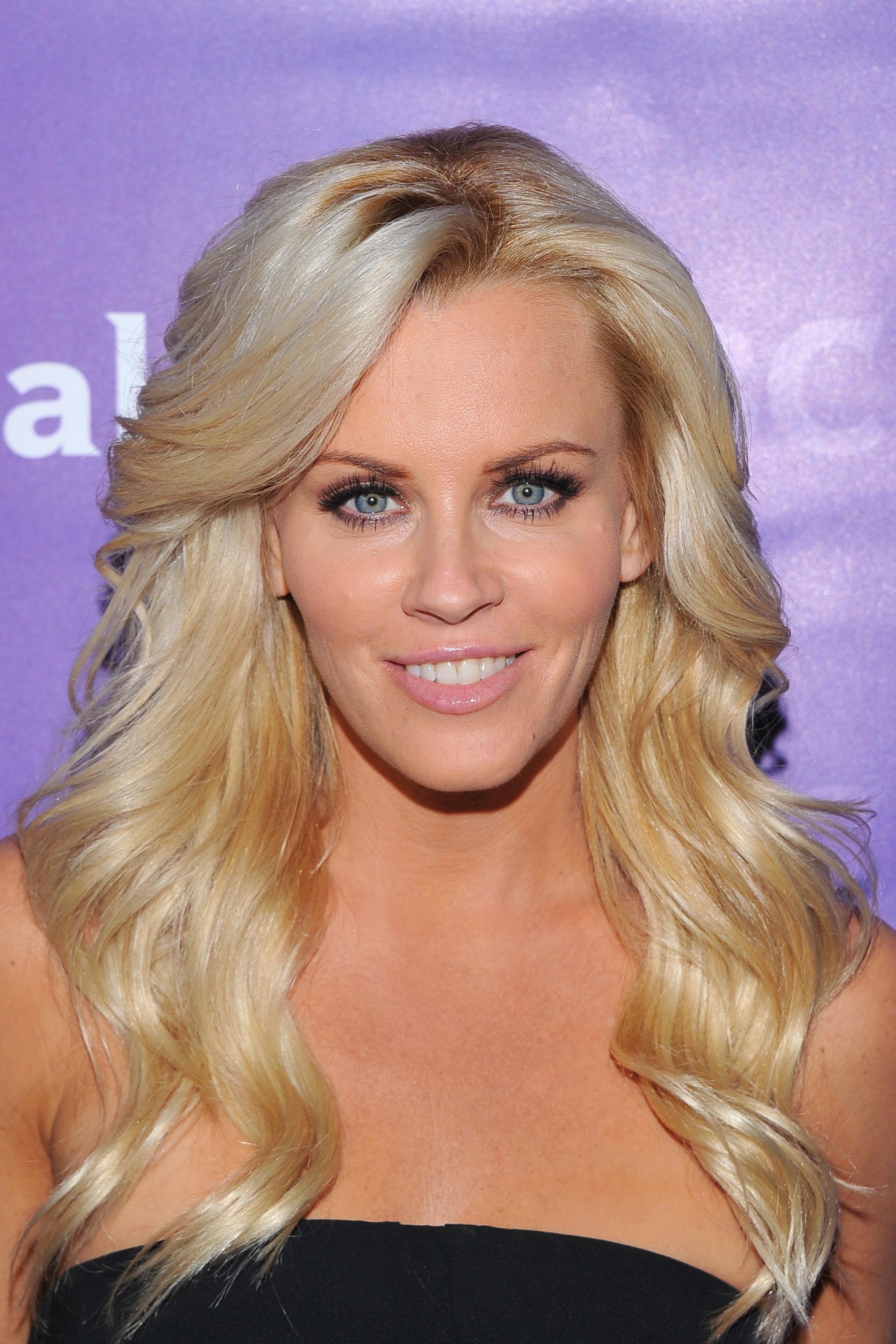 13m Followers 696 Following 1134 Posts See Instagram photos and videos from Jenny McCarthy jennymccarthy