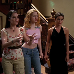 Piper tries to freeze the Stillman sisters, but her powers start leave her body.