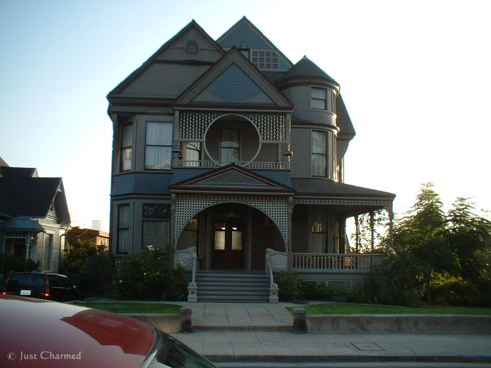 Charmed house san francisco address architectural designs for Charmed tour san francisco