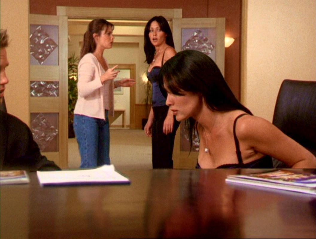2x09-PrueHalliwell-AstralProjection