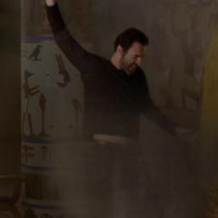 Jeric attacks Cole, using Sand Manipulation.