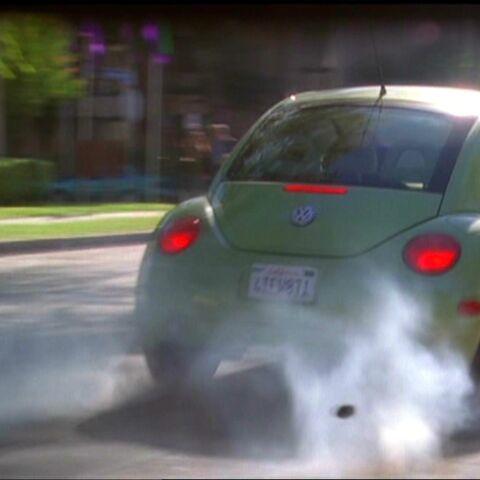 Dex uses Technopathy on Paige's car