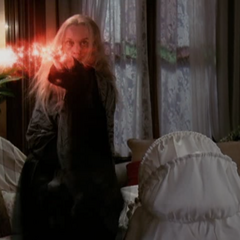 The Crone attacks Leo, using Energy Sparks.