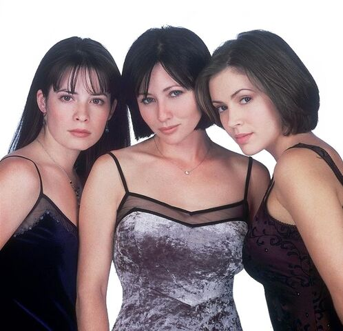 File:Charmed Season 1 promotional.jpg